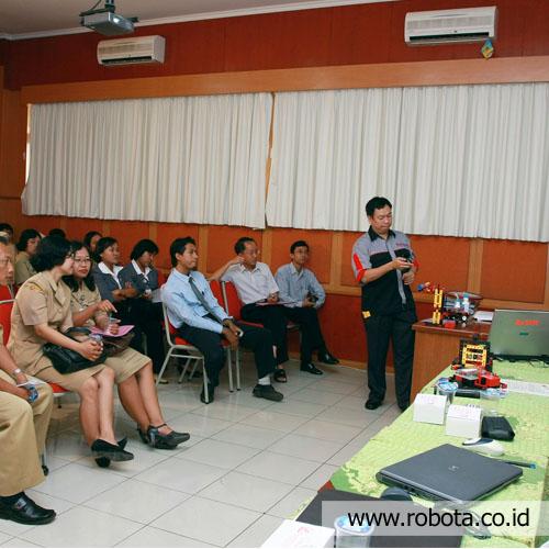 Acara Seminar Robotik