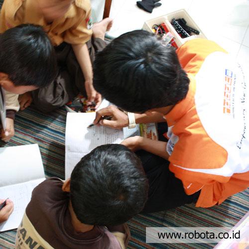 Ekstrakurikuler Robotika