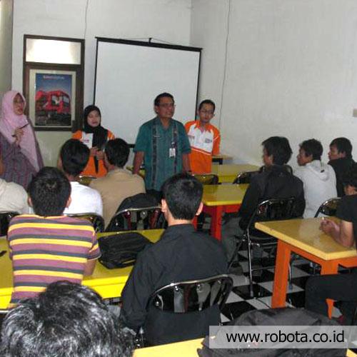 Workshop dan Pelatihan Mikrokontroler