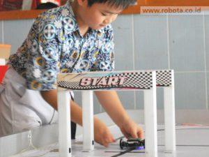 Ekstrakurikuler Robotik Kelas Juara