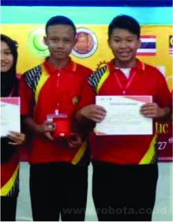Kontes Robot Thailand Juara 2