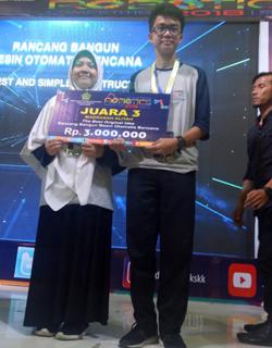 Kompetisi Robotik Madrasah 2018 MAN 1 Surakarta Juara 3