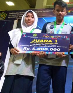 Kompetisi Robotik Madrasah 2018 MTsN 2 Sukoharjo Juara 1