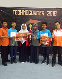 Technocorner UGM 2018 Juara 2 dan Best Algoritma