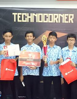 Technocorner UGM 2018 Juara 3